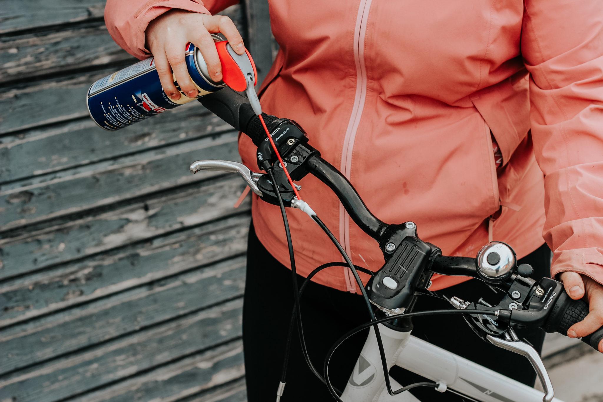 WD-40 monitoimiaine polkupyörän keväthuolto